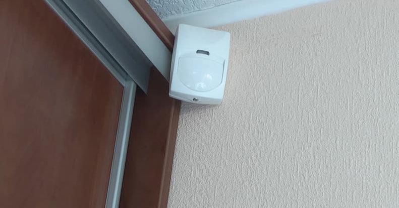 Sensores de presença dentro de uma casa