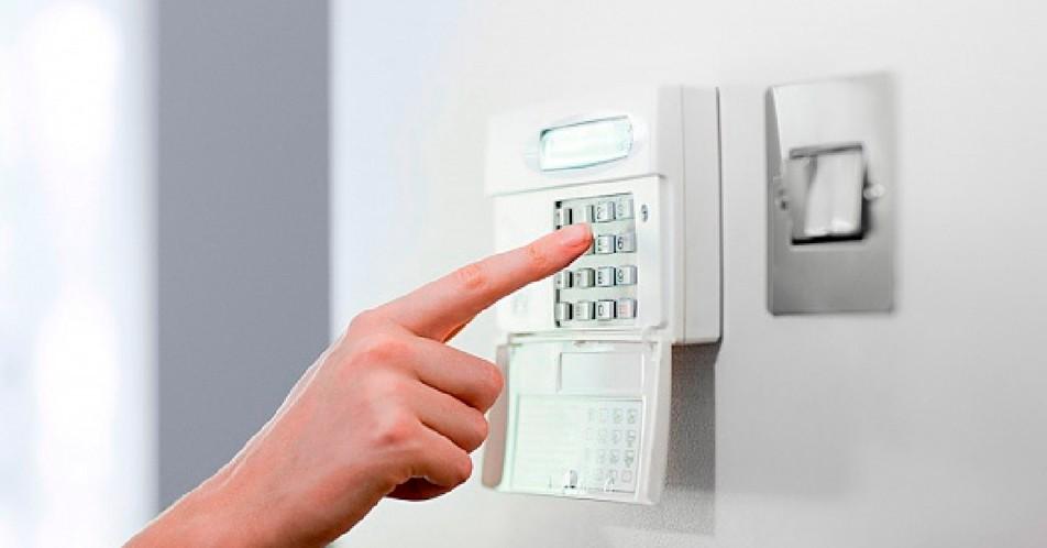 Cliente que sabe alarme monitorado preço e como isso pode ajudar a viver com mais segurança