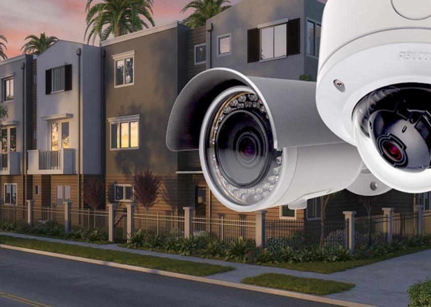 Câmeras de empresa de segurança eletrônica realizando monitoramento de um bairro